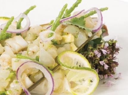 Tartare de daurade et couteaux aux citrons verts et salicorne