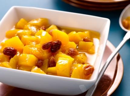 Compote de mangue aux raisins et aux épices