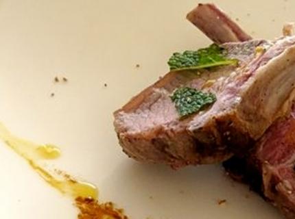 Côtes d'agneau à la menthe fraiche et taboulé parfumé