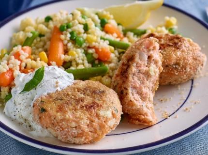 Burgers de saumon et blé aux petits légumes