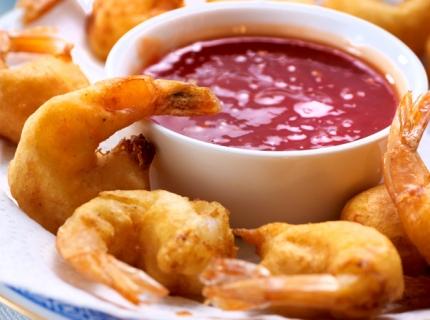Beignets de crevettes, sauce aigre-douce