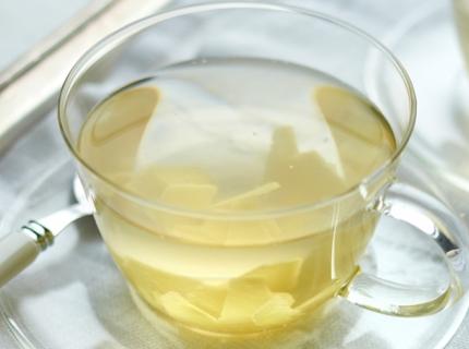 Tisane de gingembre frais avec miel