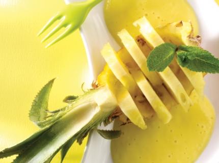 Smoothie à l'ananas, à la mangue et au yaourt