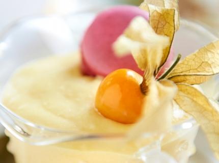 Triffle aux fruits exotiques et son macaron