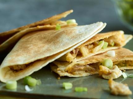 Quesadillas au poulet et au cheddar