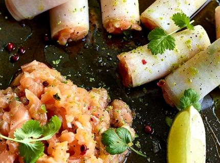 Cannelloni de radis noir et tartare de saumon cru