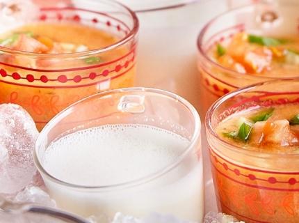 Soupe froide aux amandes