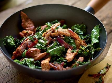 Wok de mignon de porc et kale