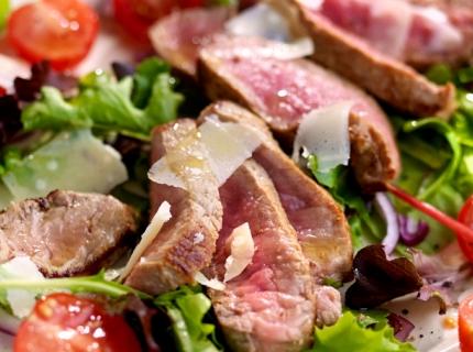 Tagliata de bœuf et salade mixte