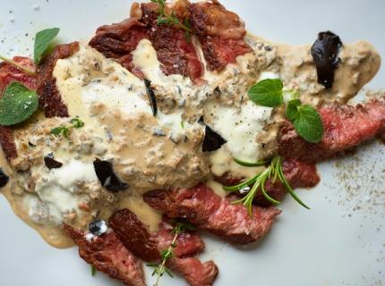 Rôti de bœuf aux champignons et à la tartufata