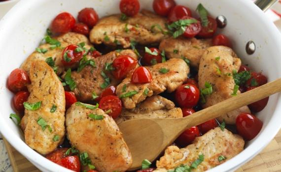 Aiguillettes de poulet sautées à la vinaigrette balsamique