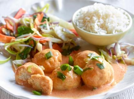 Boulettes de poisson au curry rouge