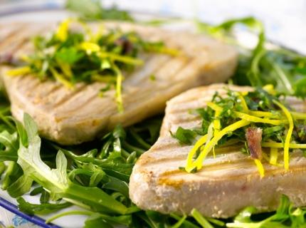 Thon grillé et gremolata aux anchois